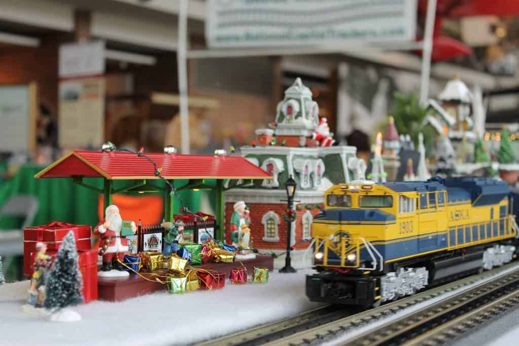 Holiday Trains and Planes at the College Park Aviation Musem