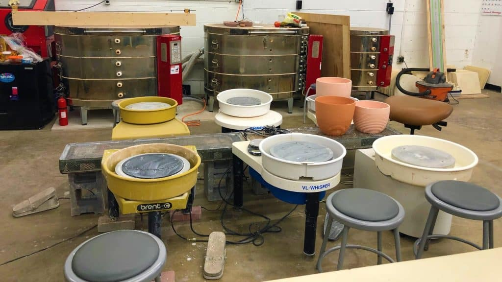 Pottery in North Brentwood